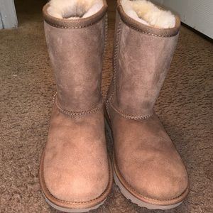 Classic Wheat Uggs